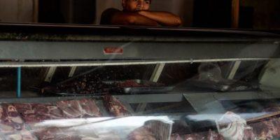 Empleados públicos venezolanos trabajarán sólo lunes y martes debido a la crisis energética