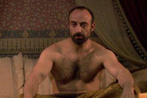 Quien como el rey de la milenaria historia, no cree en las mujeres. Foto:vía Kanal D. Imagen Por: