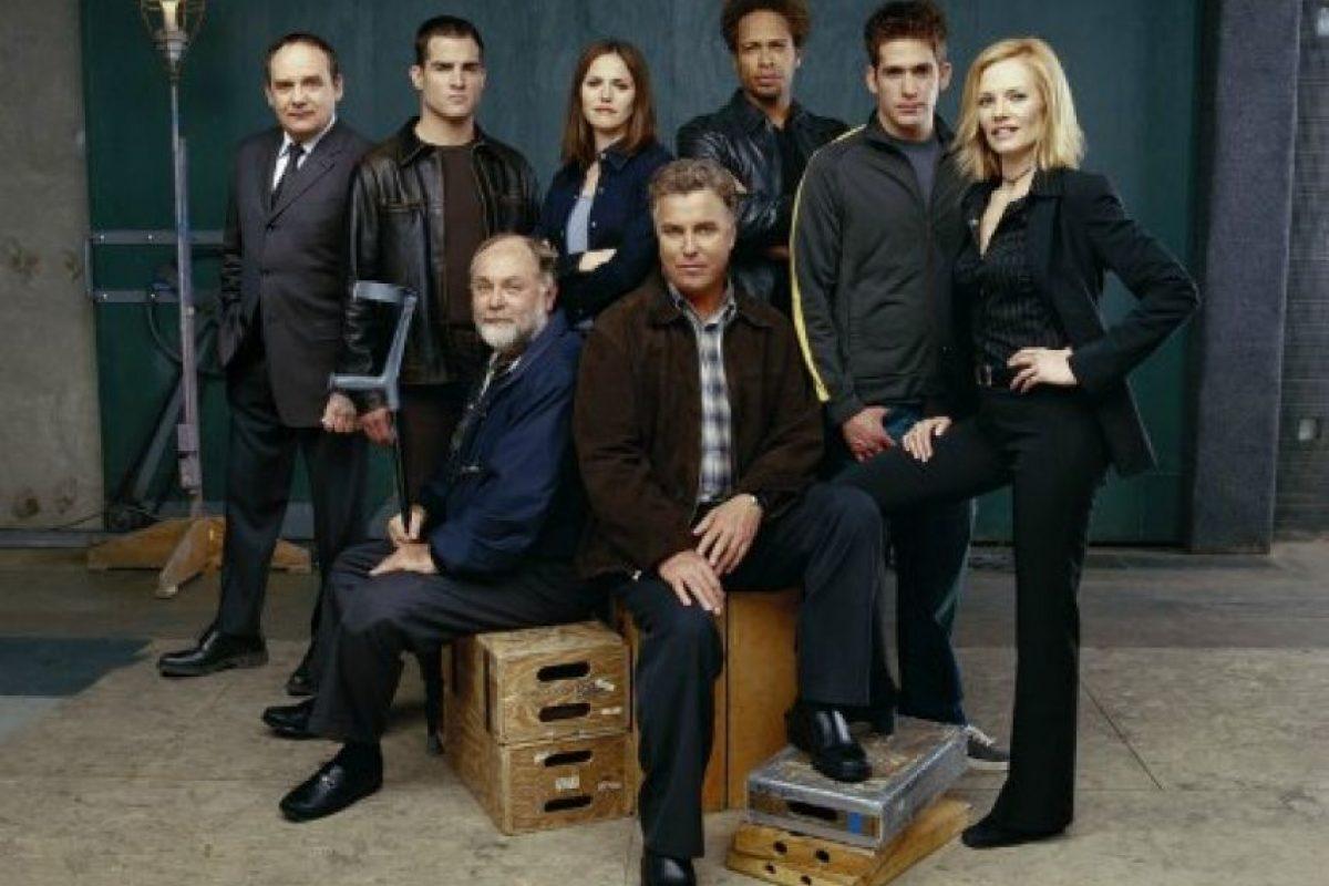 La serie se centra en torno a un grupo de científicos forenses y criminólogos que trabaja en Las Vegas. Foto:CBS. Imagen Por:
