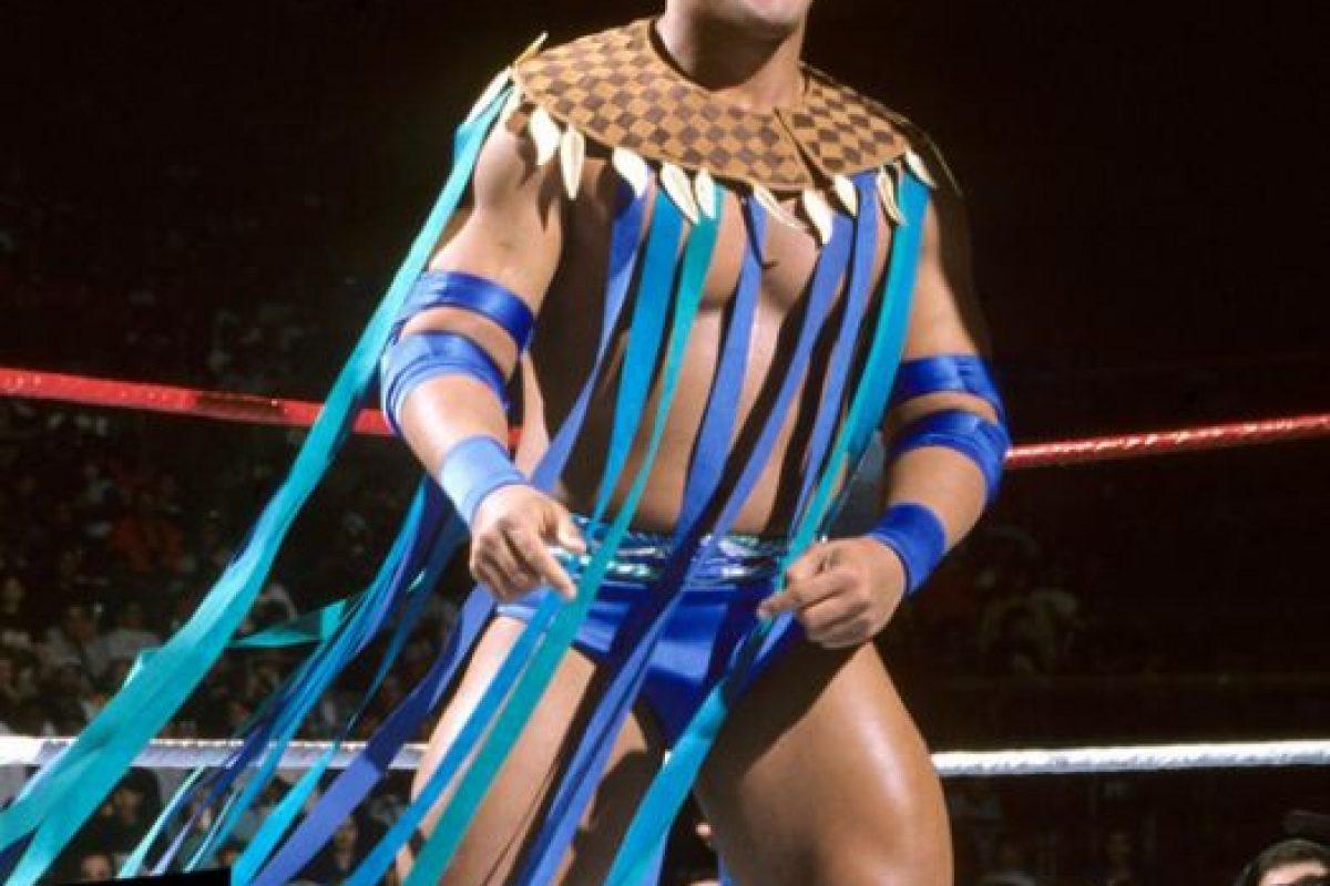 La Roca en 1996 Foto:WWE. Imagen Por: