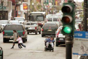 Sin embargo, lo retiraron poco tiempo después pues una luz estalló matando a un policía. Foto:Getty Images. Imagen Por: