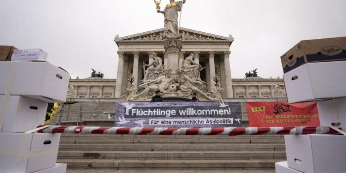 Austria vallará la frontera con Italia contra los refugiados