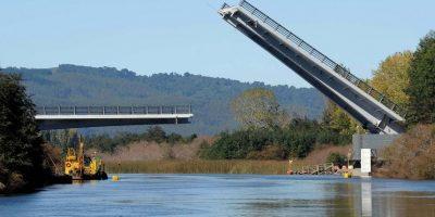 Municipalidad de Valdivia se querellará en contra de responsables por fallo en puente Cau Cau