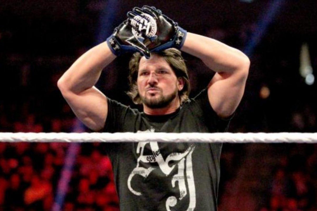 Frente a AJ Styles Foto:WWE. Imagen Por: