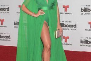 Zuleyka Rivera muestra que sí se puede ser reveladora y ser elegante. Foto:vía Getty Images. Imagen Por: