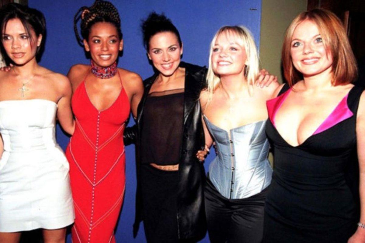 Victoria aparecía un poco alejada del grupo. Foto:Vía Instagram/#SpiceGirls. Imagen Por: