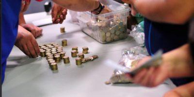 Así estafan a los europeos con monedas chilenas: policía alertó a usuarios