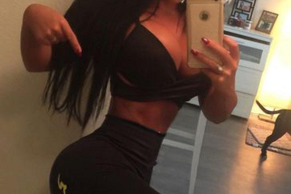La morena tiene más de 677 mil seguidores solo en Instagram, donde comparte su rica y saludable dieta Foto:Vía instagram.com/dannitabruna. Imagen Por: