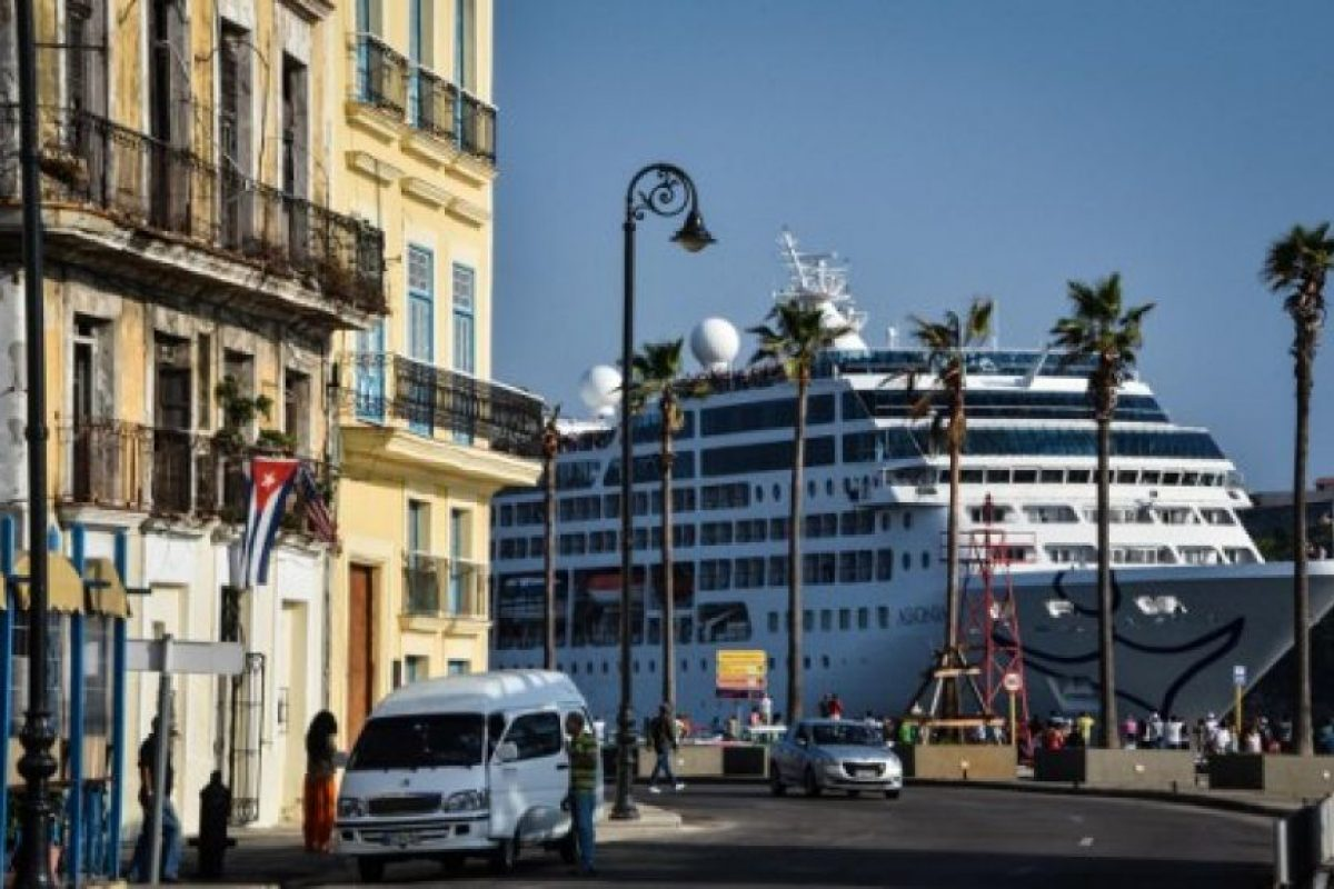 El viaje fue posible después de que se permitiera embarcar a ciudadanos de la isla. Foto:AFP. Imagen Por: