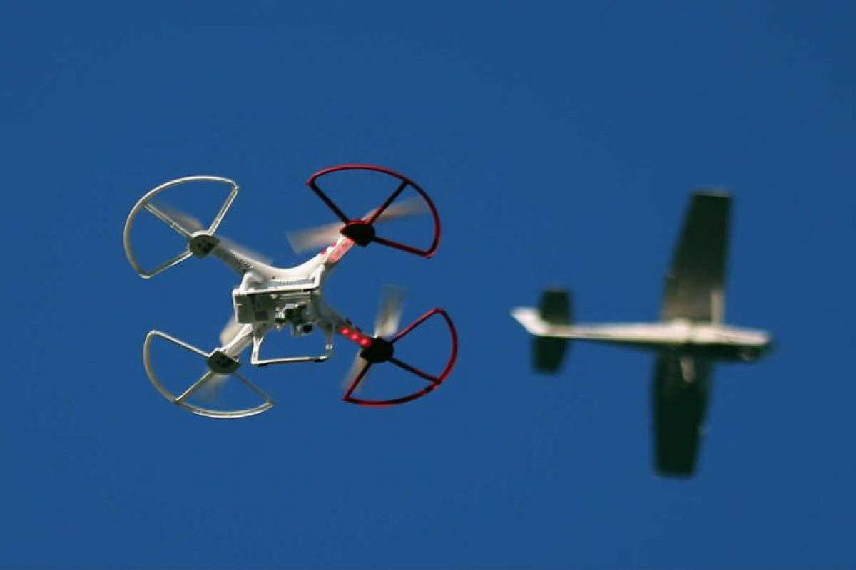 La tecnología ha comenzado a surcar los cielos ya no sólo en forma de aviones o helicópteros. Foto:Getty Images. Imagen Por:
