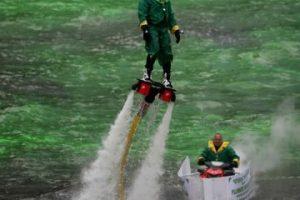 ¿No les recuerda al Duende Verde, enemigo de Spider-Man? Foto:Getty Images. Imagen Por: