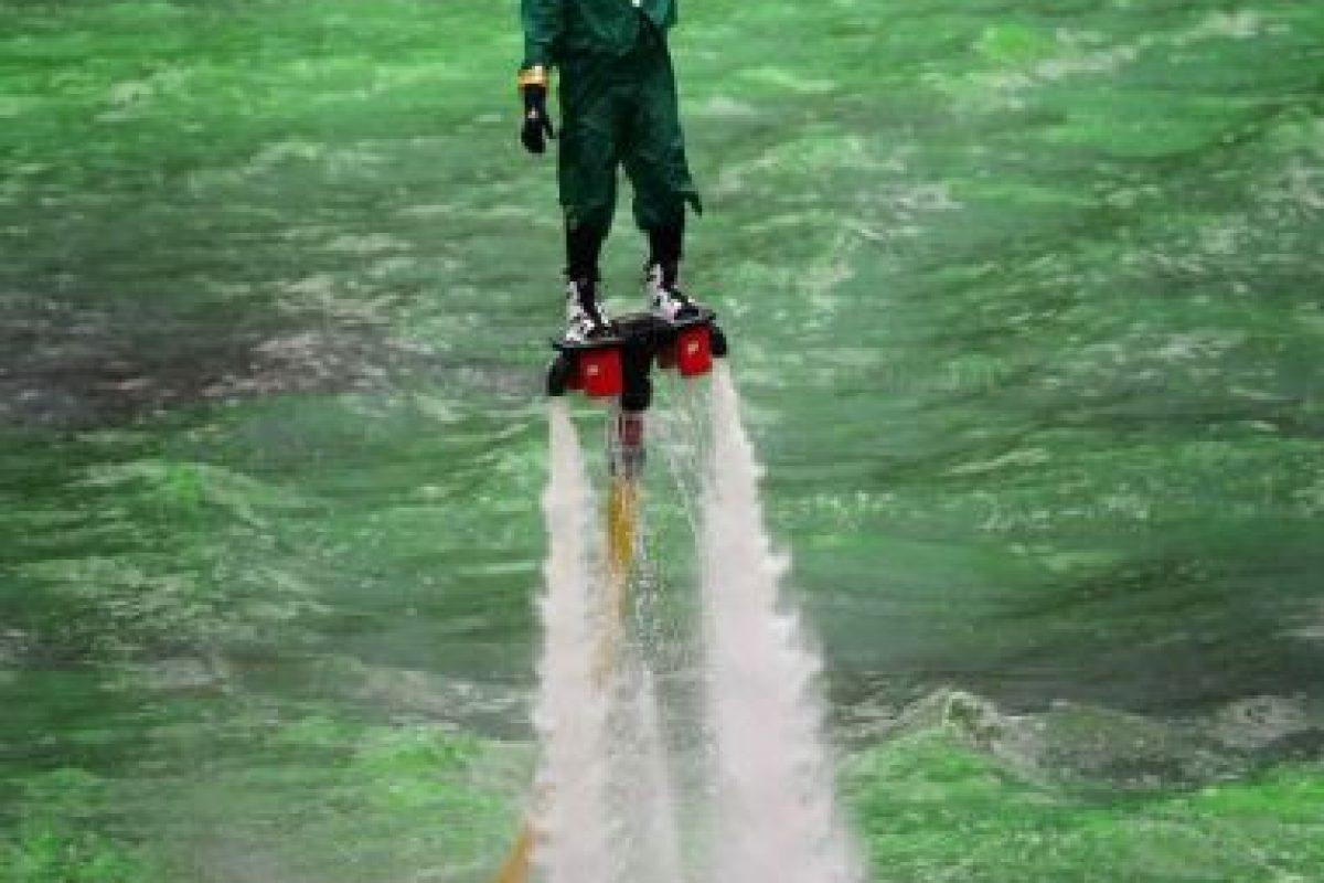 Las tablas voladoras son impulsadas por jets. Foto:Getty Images. Imagen Por: