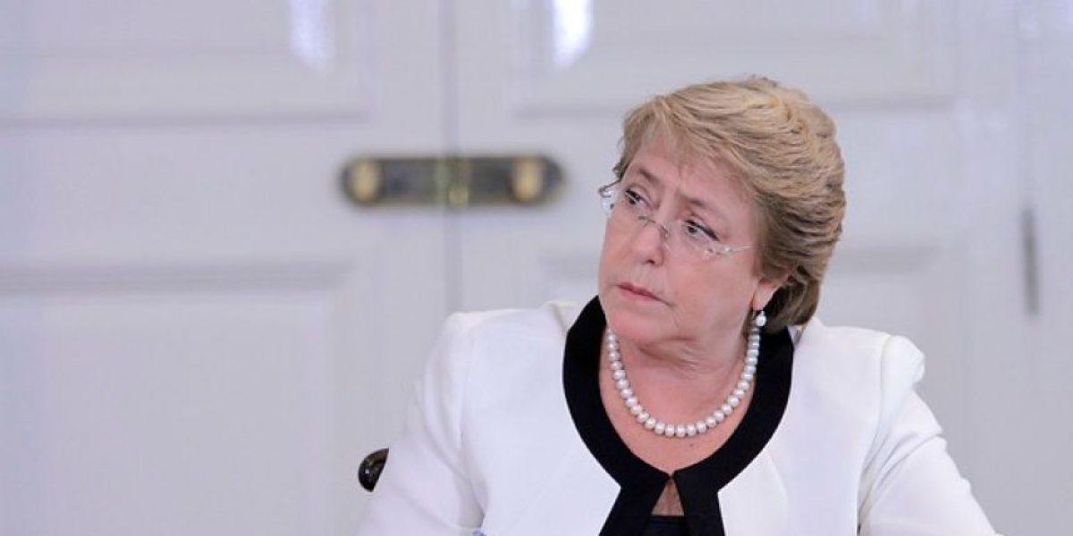 Cadem: aprobación a gestión de la  Presidenta Bachelet cae al 26%