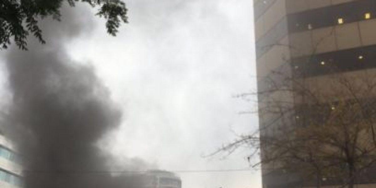 Incendio afectó a subterráneo de edificio en Providencia