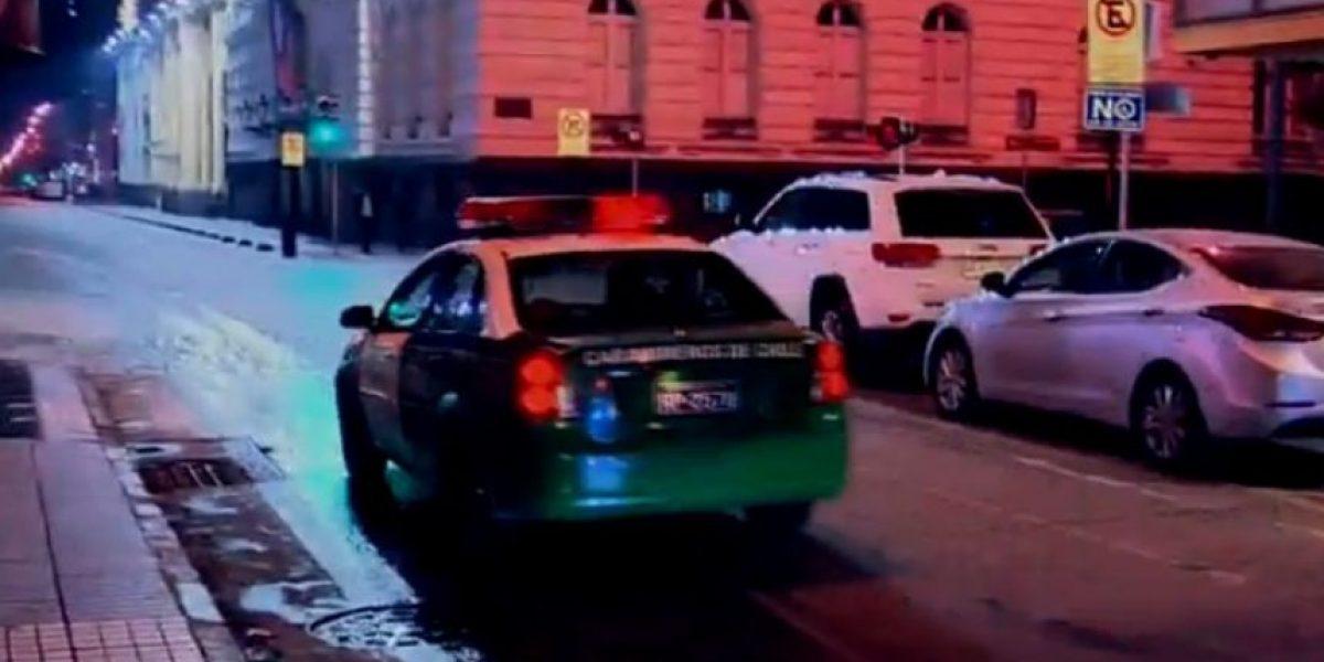 Joyerías fueron el blanco principal: asaltan galería comercial en Santiago Centro