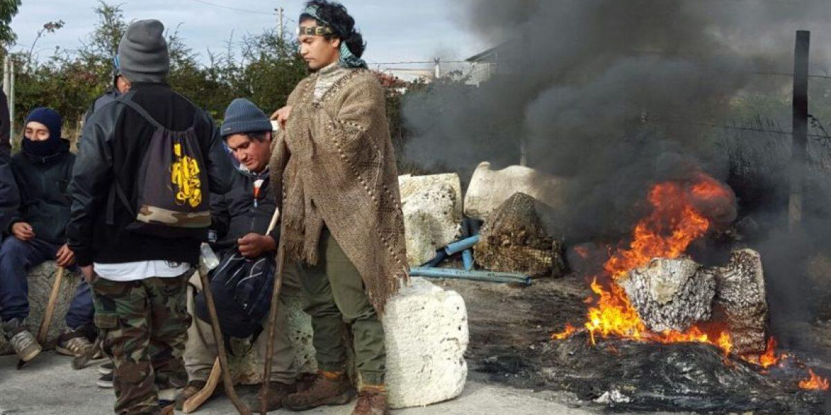 Chiloé: pescadores artesanales se toman ruta protestando contra Gobierno por marea roja