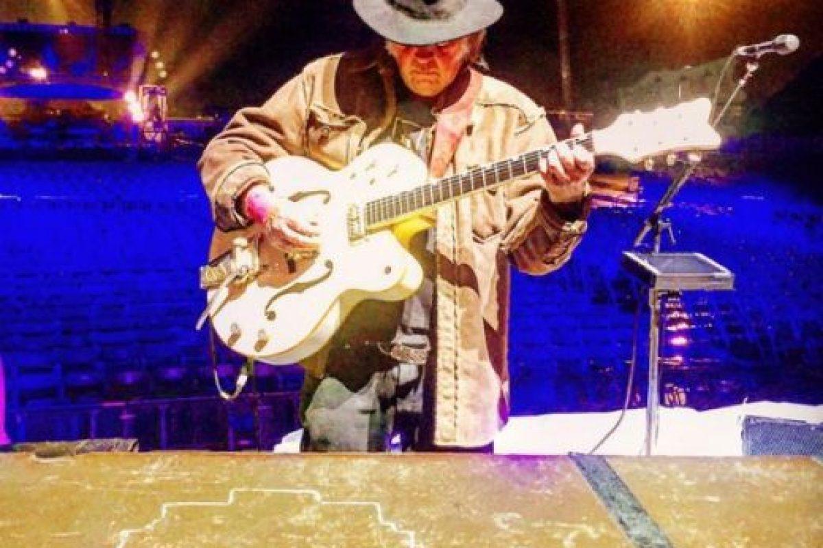 Neil Young, Foto:Twitter. Imagen Por: