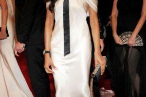 Freida Pinto, la moda puede ser democrática, pero ¿tenías que comprarte esto? En 2011 ya tenías cierta popularidad. Foto:vía Getty Images. Imagen Por: