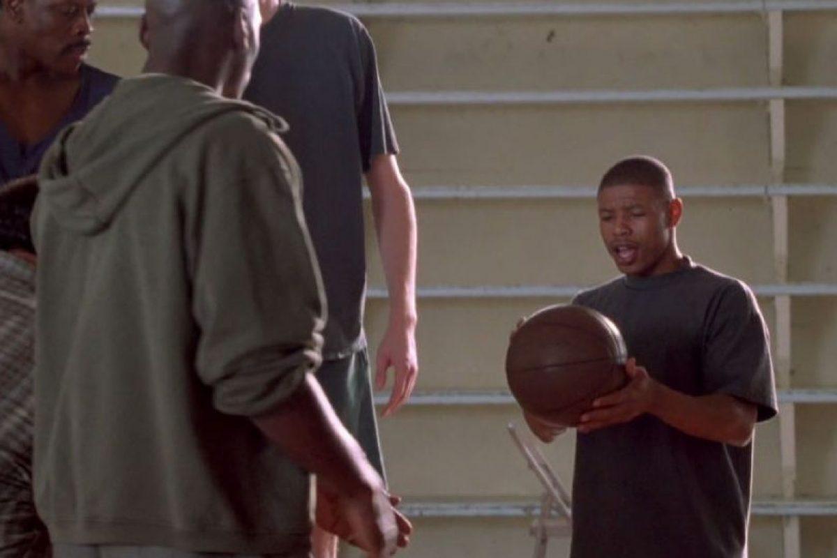 Muggsy Bogues, el jugador más bajito de la NBA, también estuvo. Foto:vía Warner Bros. Imagen Por: