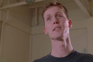Shawn Bradley destacaba por su altura. Foto:vía Warner Bros. Imagen Por: