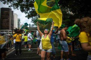 Los brasileños aseguran que la presidente está protegiendo a Lula. Foto:Getty Images. Imagen Por: