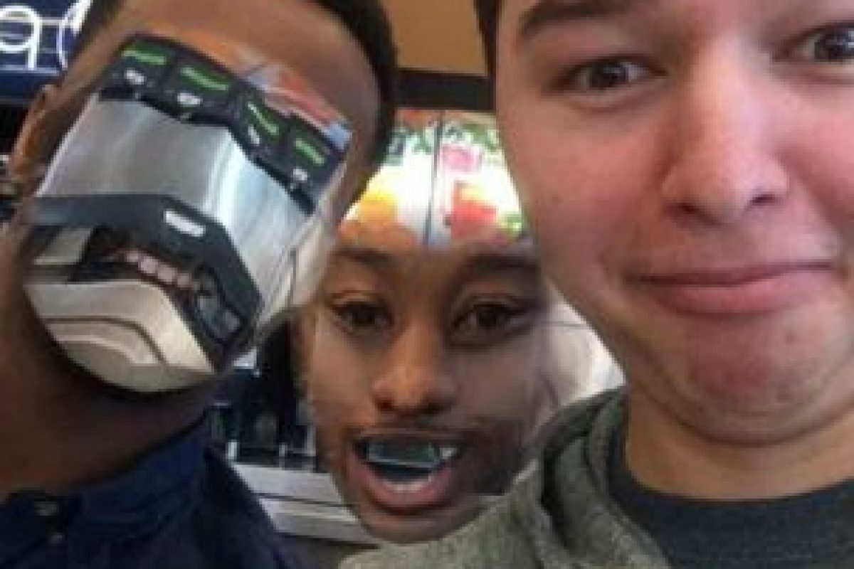 """La aplicación detecta """"rostros""""… o lo que se les parezca. Foto:Reddit. Imagen Por:"""