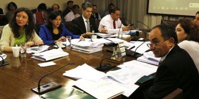 De madrugada comisión de educación de la Cámara despachó proyecto de desmunicipalización