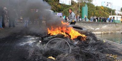 Marea roja: protestas de pescadores artesanales dejan seis detenidos en Los Lagos