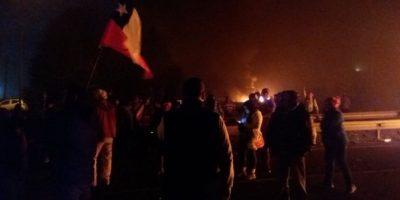 Marea Roja: Pescadores artesanales cortaron rutas en Osorno, Puerto Montt y Chiloé