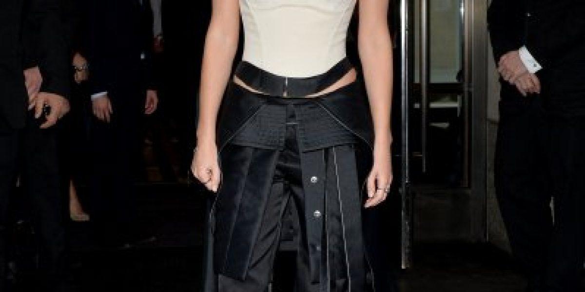#MetGala2016: Emma Watson se vistió con botellas recicladas