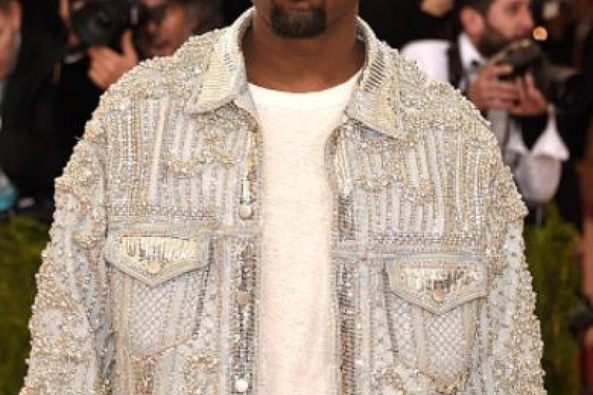Y esta chaqueta brillante. Foto:vía Getty Images. Imagen Por: