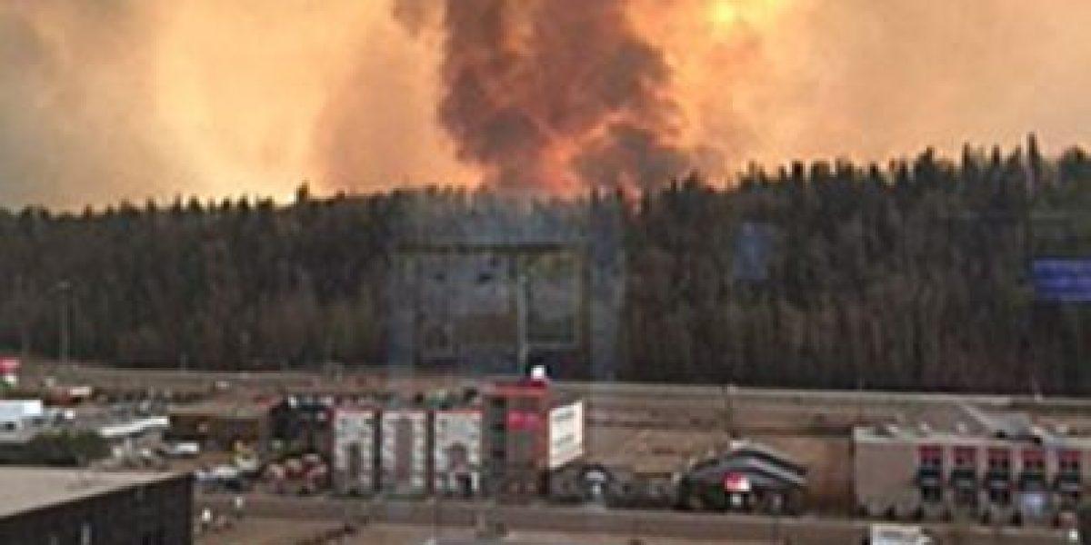 Canadá: evacúan a 80.000 personas por incendio forestal