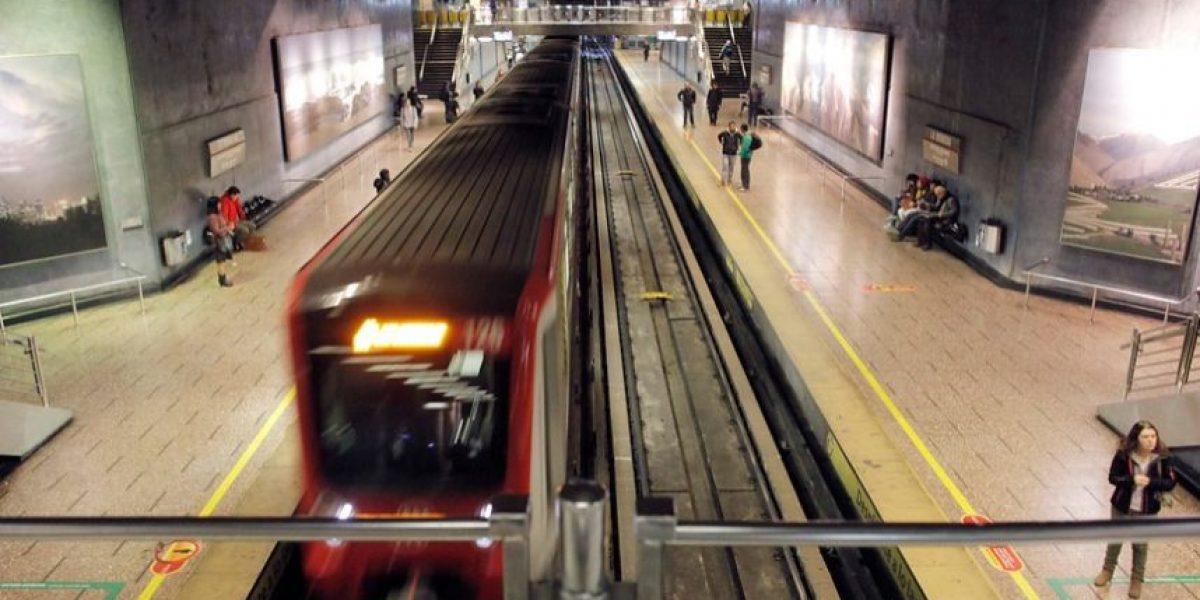 En qué está el proyecto que busca multar con $40 mil a quienes no cedan el asiento en el Metro