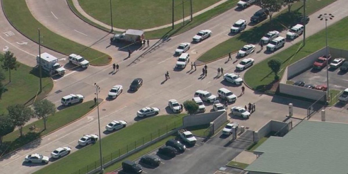 Al menos dos muertos en un tiroteo cerca de un colegio en Texas