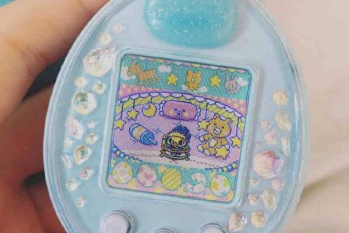 """Durante el """"boom"""" de este juguete, en Japón existían niñeras para """"Tamagotchi"""". Foto:Instagram. Imagen Por:"""