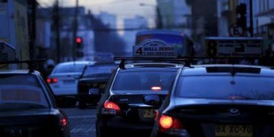 Nuevos enemigos para Uber: colectivos se suman al paro de taxis del próximo 12 de mayo