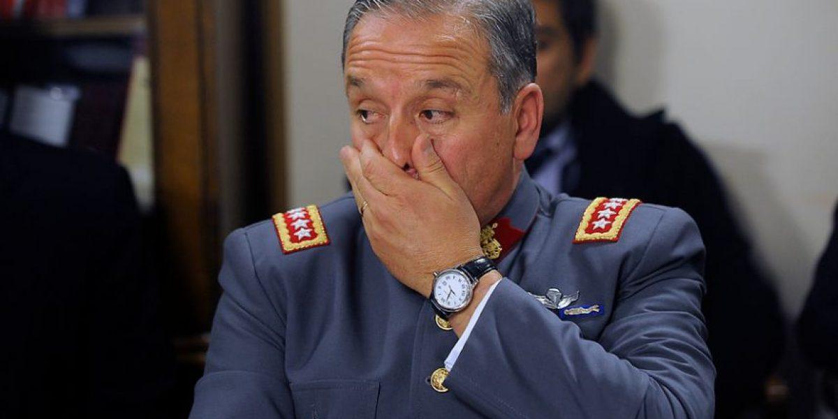 Polémica: hijos de general Oviedo obtuvieron pasaportes diplomáticos y pagos de la embajada en EEUU