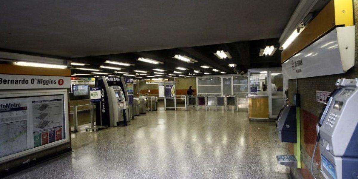 Línea 2 del Metro mantiene servicio parcial por procedimiento policial