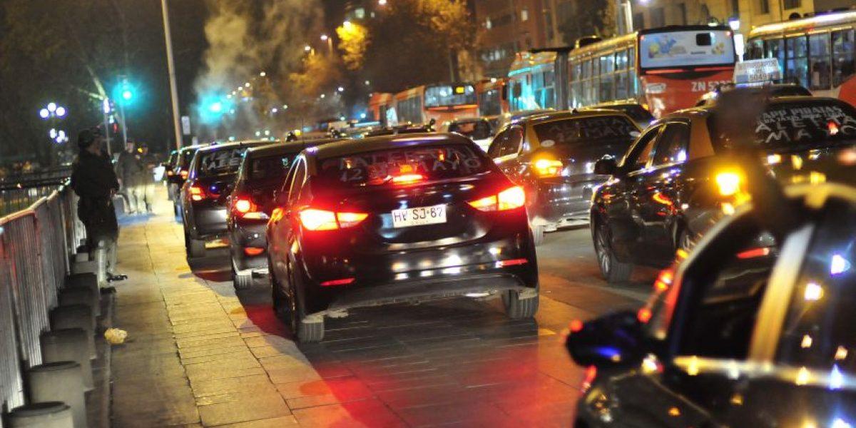 Nueva protesta de taxistas de Santiago contra Uber y Cabify