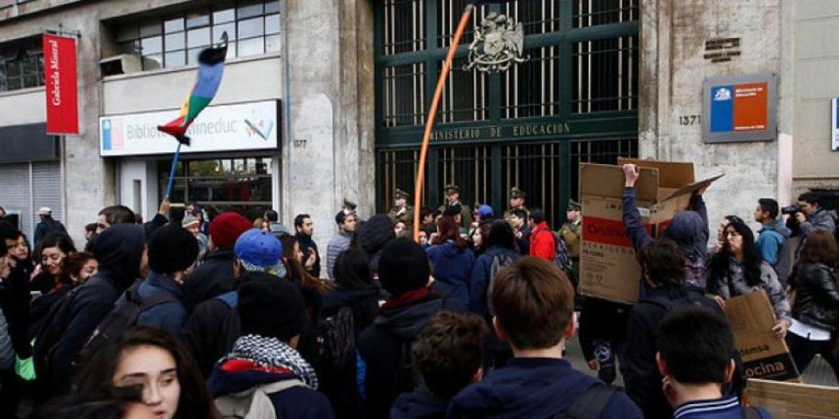Autorizan marcha de secundarios para este jueves en Santiago: así será el recorrido