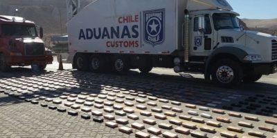 Incautan casi 438 kilos de cocaína en Antofagasta ocultos en un camión boliviano
