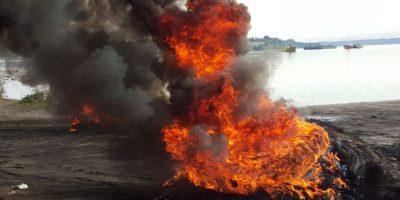 Crisis tras marea roja: Ancud suspende clases tras bloqueo de rutas