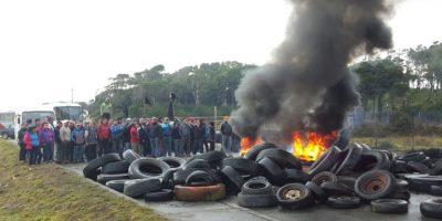 Gobierno: bloqueos en Chiloé no contribuyen a buscar solución por marea roja