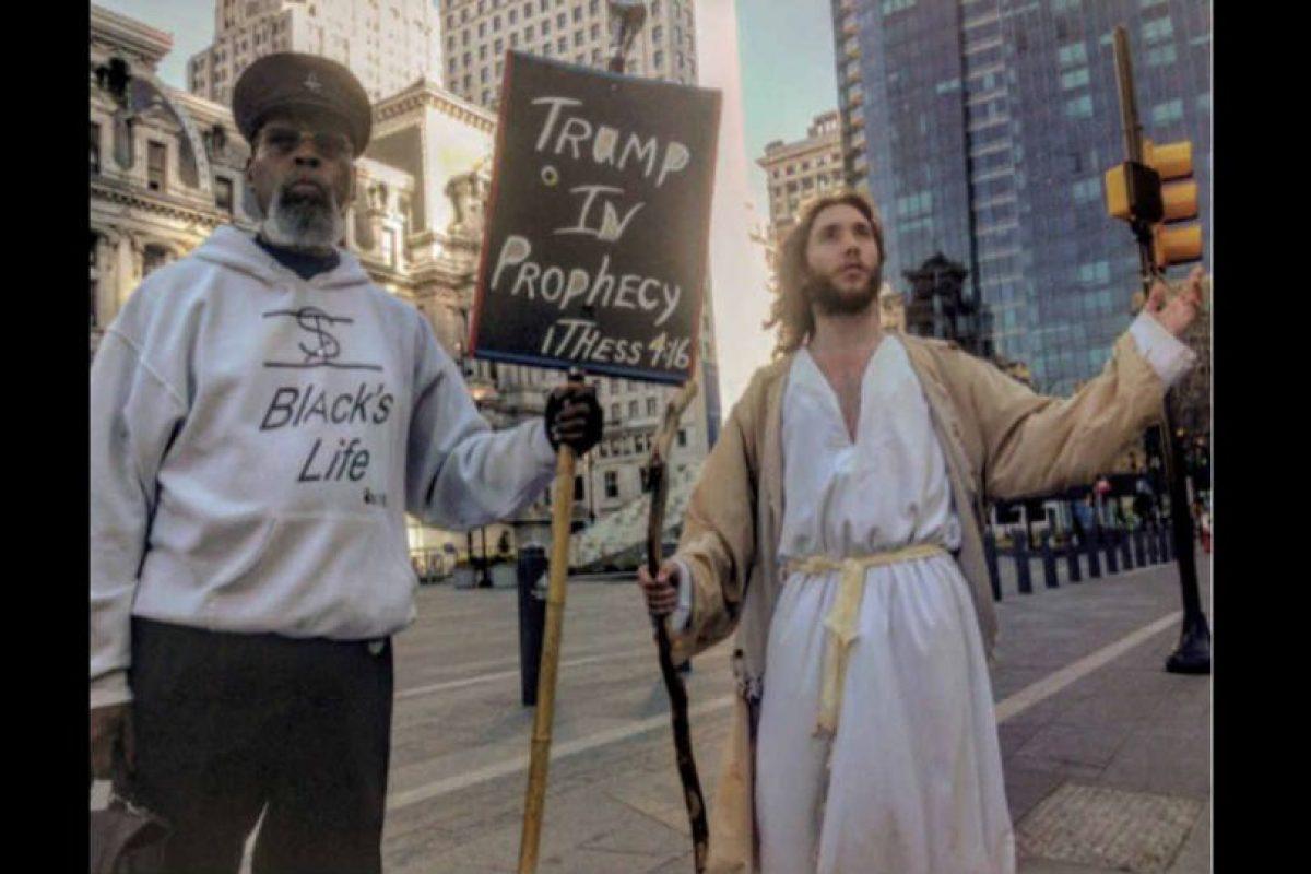 Él aclara que no es el Jesús real, sólo un admirador. Foto:twitter.com/phillyjesus. Imagen Por: