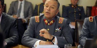 """General Oviedo y polémica por pasaportes de sus hijos: """"Me parece bien extraño que aparezca ahora"""""""