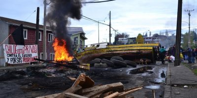 Aleuy y llegada de FFEE a zona de protestas de pescadores: