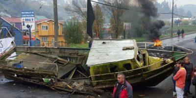 Chiloé: pescadores depondrán bloqueo y permitirán acceso por canal de Chacao