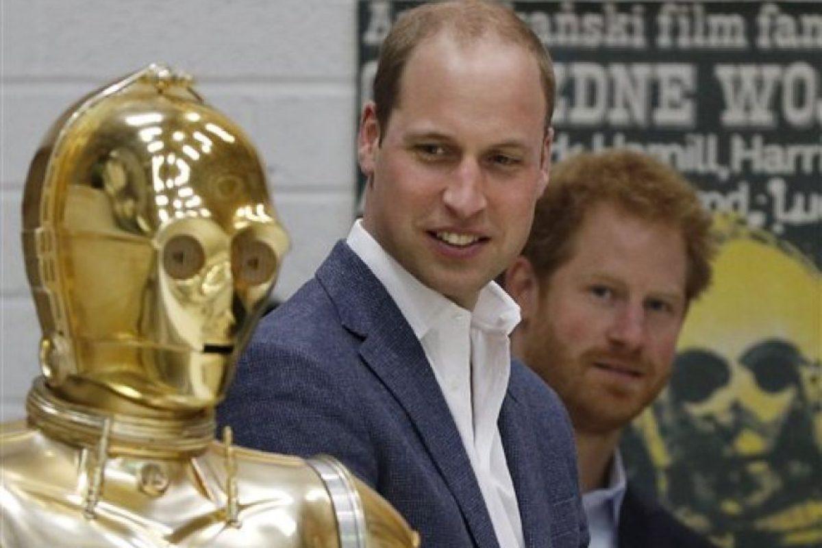 La primera película de la serie, Star Wars: Episode IV – A New Hope, se estrenó en 1977, volviéndose todo un hit. Foto:AP. Imagen Por: