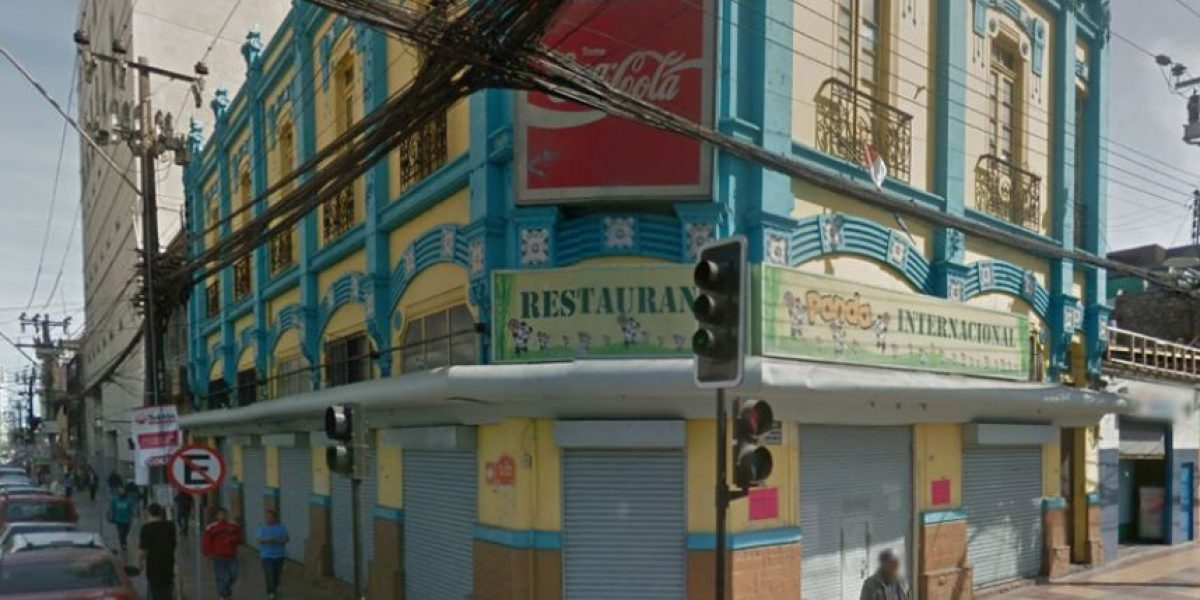 Indignante: suspenden a restaurante por tener a trabajadores encerrados bajo llave
