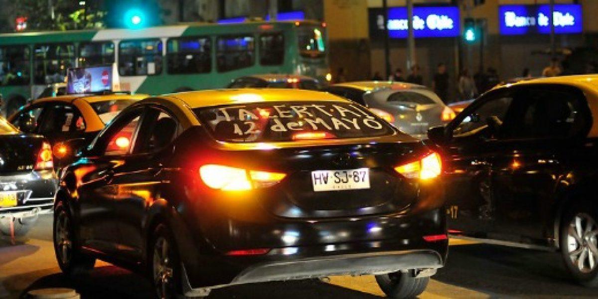 Apps de taxis discrepan por paro de taxistas y colectiveros